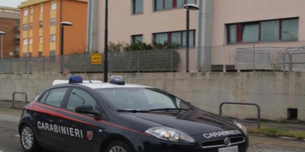 Furto con la tecnica dell'abbraccio fatale ai danni di un'anziana, arrestati 2 rom