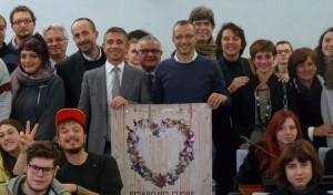 """""""Pesaro nel cuore"""", Ricci accende il Natale: pista di ghiaccio e nuovi allestimenti"""