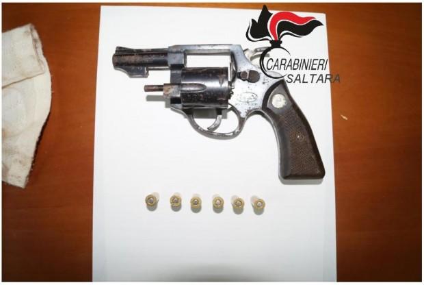 Denunciato campano per possesso di un revolver con matricola abrasa