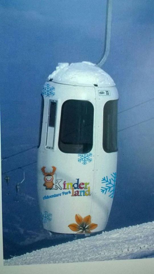 Monte Catria, regalo di Natale: installate le prime 12 cabine. Dal 26 si potrà usufruire dell'impianto di risalita