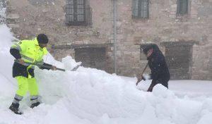 """Neve e terremoto nelle Marche, presidente Ceriscioli: """"E' una catastrofe"""""""