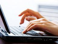 Estorce denaro a una ragazza conosciuta sul web con la minaccia di pubblicare foto osè: arrestato