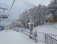 Al Catria ancora neve e nel week-end impianti aperti. Ottimi risultati nelle gare di sci