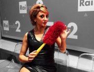 """San Costanzo, a teatro """"La ragazza con la valigia"""" con Paola Minaccioni"""