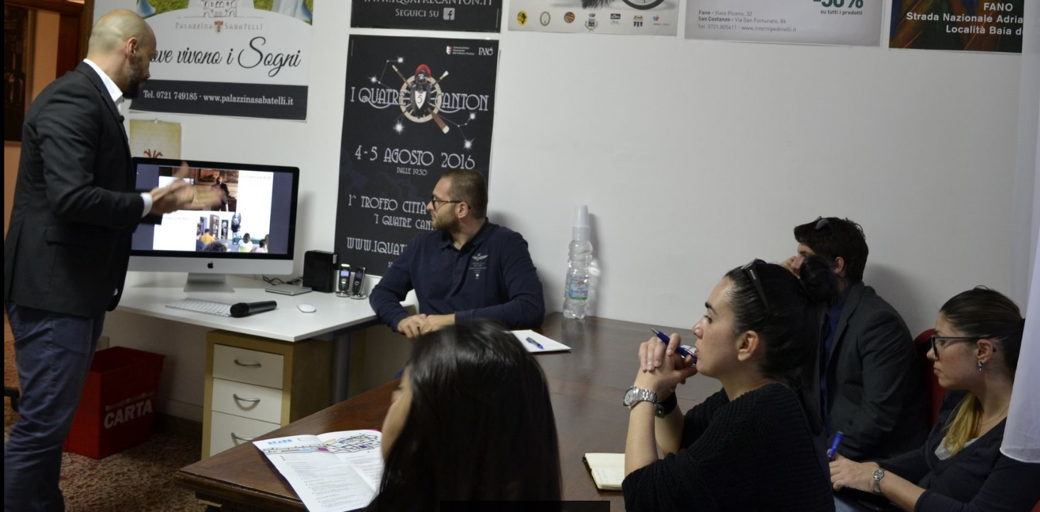 Open day all 39 agenzia zarri comunicazione perch essere for Mobilia fano