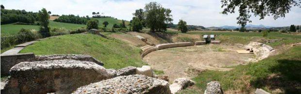 """Musica e solidarietà, all'Anfiteatro romano di Suasa """"Sogno di una nota di mezza estate"""""""