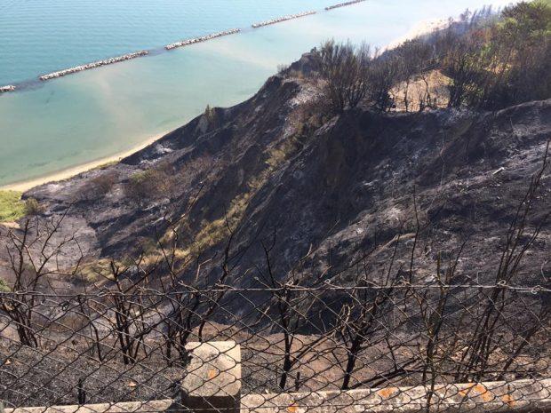 Incendio San Bartolo, 70 evacuati