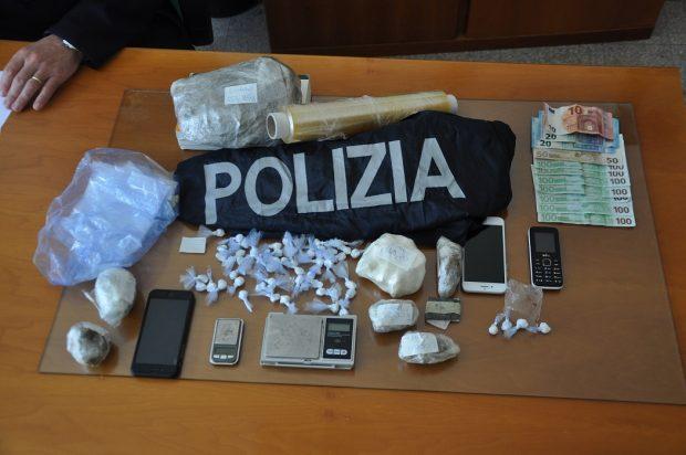Urbino, droga e alcol: un arresto e una denuncia. Cento persone identificate