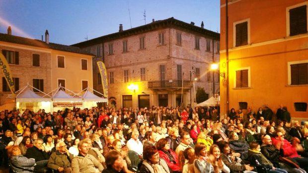"""Fiera Nazionale del Tartufo di Pergola: sold-out! Visitatori da tutta Italia, Baldelli: """"Sostegno all'economia"""""""