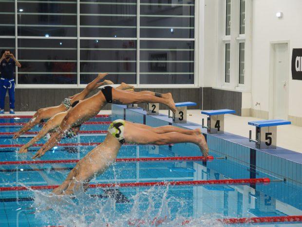 Pesaro tuffo magnini apre piscina pentathlon - Piscina parco della pace pesaro ...