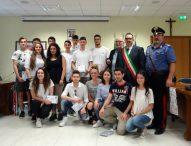 San Lorenzo in Campo, Festa della Repubblica: il sindaco Dellonti consegna la Costituzione ai neo diciottenni
