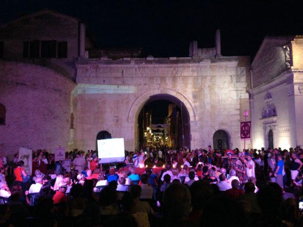 Il fuoco sacro brucia sotto Cesare Ottaviano, inaugurata La Fano dei Cesari
