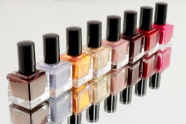 """Nail Art e cosmetica per l'uomo trainano la crescita del settore cosmesi: il punto sul mercato """"Beauty"""" italiano"""