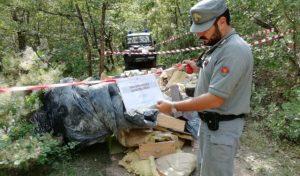 Doglio: dalla segnalazione social al sequestro di oltre 10 metri cubi di rifiuti speciali e pericolosi