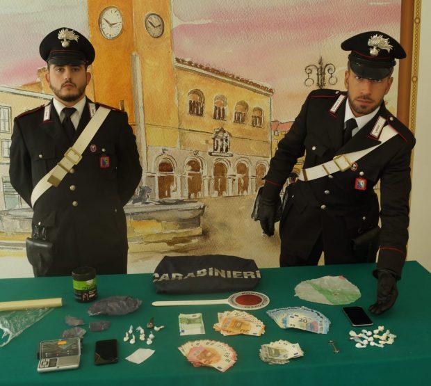 """Movida del sabato sera a Fossombrone: arrestati per spaccio di """"coca"""" due 19enni"""
