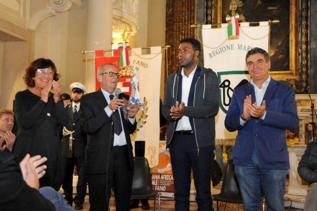 """Il Premio ho """"L'Africa nel Cuore"""" a Yvan Sagnet, camerunense che ha fondato associazione contro caporalato"""