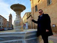 San Lorenzo in Campo, la fontana della Pieve torna a splendere. Domani l'inaugurazione dei lavori di restauro