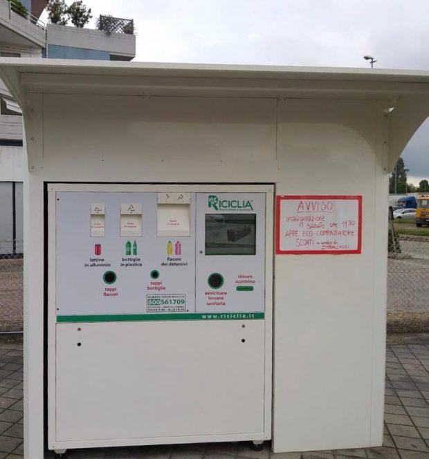 Fano, differenziata: i due macchinari mangia-rifiuti hanno già divorato 7.400 fra lattine e bottigliette