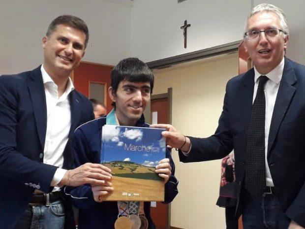 Il campione mondiale di bocce Matteo Maggioli ricevuto a Palazzo Raffaello