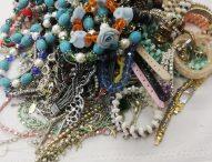 Pesaro, sequestrati 22.345 oggetti di bigiotteria non a norma destinati alla vendita al pubblico
