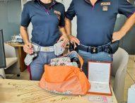 Borsa piena di gioielli e contanti, la Polizia la recupera e restituisce ai proprietari