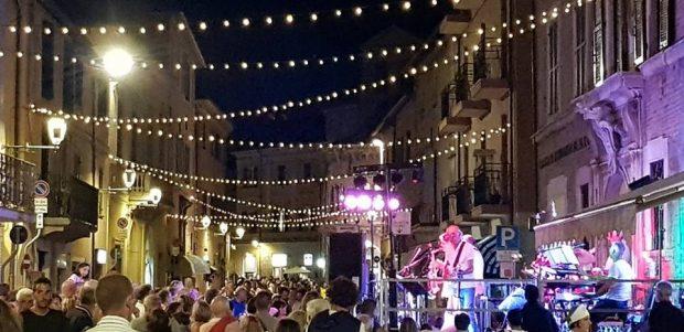 Borgo Cavour: musica, animazione e cibo in uno dei quartieri più caratteristici del centro storico