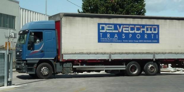 Delvecchio-Trasporti-camion2.jpg