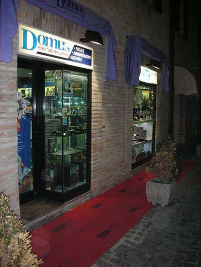 domus2-cartolibreria-articoli-ufficio-esterno-negozio.jpg