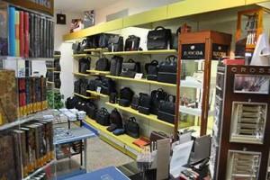 domus2-cartolibreria-articoli-ufficio-interno-negozio-3.jpg