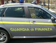 Non si ferma all'alt dei finanzieri, giovane denunciato a Fano