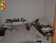 In una casa cantoniera la polizia trova 20enne e piantagione di canapa
