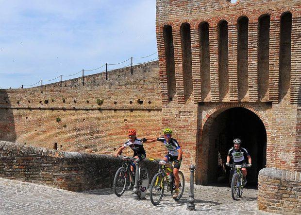 Cicloturismo, un successo l'Assalto alla Rocca. Bike Therapy c'è: Rocchetti protagonista anche in Puglia