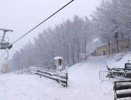 Monte Catria, oltre 20 centimetri di neve. SI spera di aprire le piste