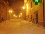 Neve, a Serra -8! Sul Catria nella notte scesa un metro di neve. La situazione in tutti i Comuni della Valcesano