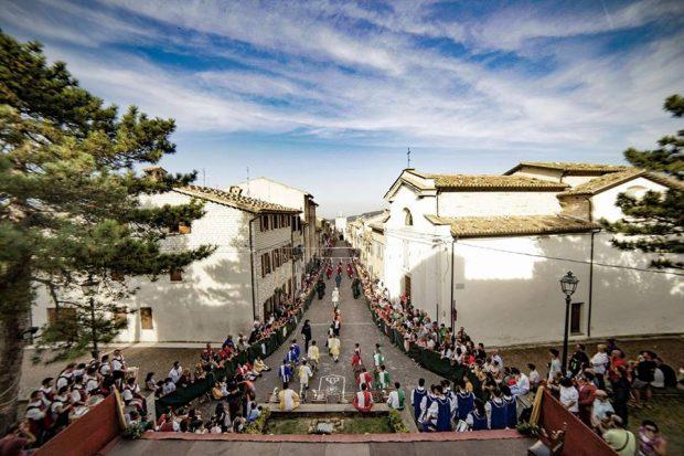 A Serra Festa del Patrono, si chiude il Palio con la Cena della Pace