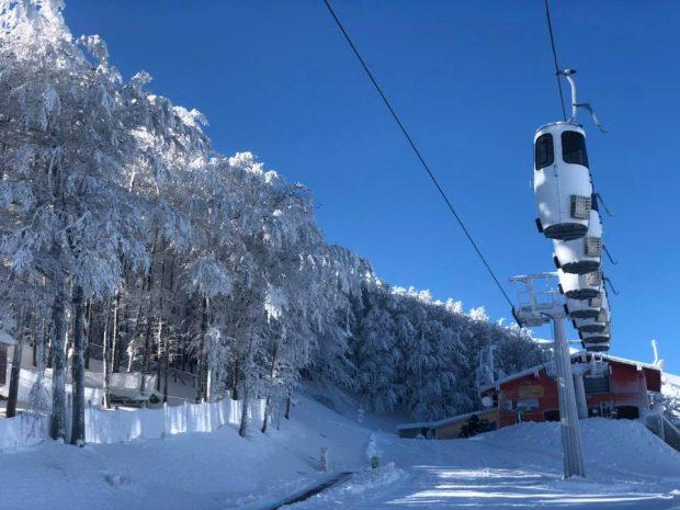 Monte Catria, al via stagione sciistica con nuova cabinovia unica in Europa