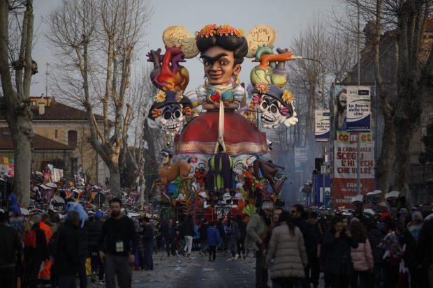 Una giornata perfetta saluta il Carnevale di Fano 2019