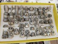 Sequestrati oltre 40mila pezzi fra accessori di abbigliamento e bigiotteria destinati alla vendita