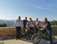 Notturna dei Sapori in mtb, a Montalfoglio in 200 per pedalare tra colline, borghi e specialità enogastronomiche