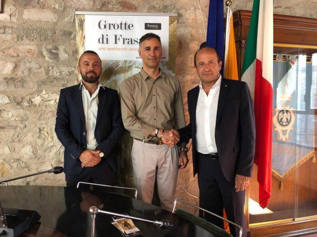 Si rafforza la sinergia tra Frasassi e Museo dei Bronzi di Pergola grazie a Confcommercio