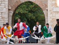 Dalla Calabria alla Germania, tutti innamorati del Palio della Rocca di Serra Sant'Abbondio. Vince Poggetto