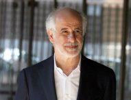 Toni Servillo illumina il teatro di Cagli, Animavì Festival lo premia con il Bronzo Dorato all'arte della recitazione
