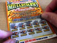 Gratta e vinci, Lotto, Superenalotto e slot machine, parte corso contro il gioco compulsivo