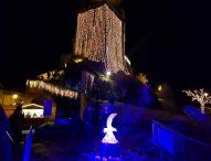 A Frontone la magia dei mercatini 'Nel Castello di Babbo Natale'. Inaugurazione in notturna con accensione luminarie effetto UAU