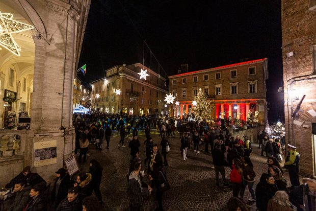 """Panettoni giganti, gare di biroccini, migliaia di candele: ecco lo spumeggiante fine settimana de """"Il Natale che non ti aspetti"""""""