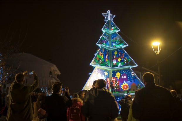 Sabbia, ghiaccio, trenino e bambini: Il Natale Più 2019 svela i suoi primi doni alla città