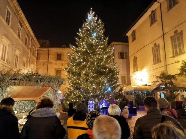 'E' Natale a Pergola': presentazione del libro del Centro Margherita, concerto e spettacolo a teatro