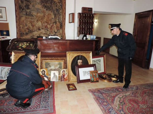 Furto aggravato a Villa Palombara di Monte Porzio: 2 arresti