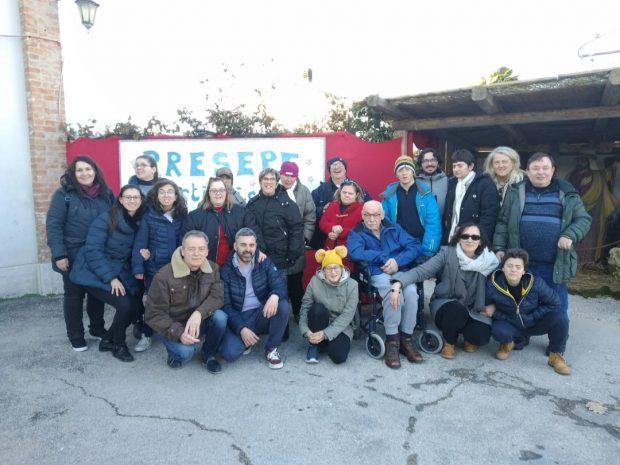 Al presepe artistico di San Filippo la graditissima visita del centro socio educativo L'Aquilone