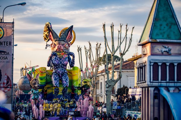 Avis e Povia aprono l'ultima domenica del Carnevale di Fano 2020